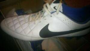 Nike Tiempo football soccer boot UK size 10 One Tree Hill Playford Area Preview
