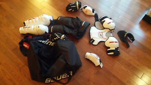 Youth Large Bauer Hockey Equipment