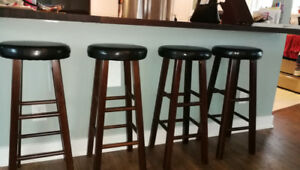 Set of 4 Winsome Wood Marta Assembled Round Bar Stool 30""