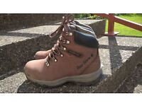 Hiking / Walking Boots. Size 4