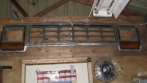 1985 Dodge Ramcharger / pick up Grille London Ontario image 1