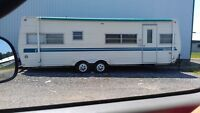 1979 cosair 26ft trailer. with ownership