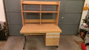 Free desk with hutch made in Canada Helko office systems