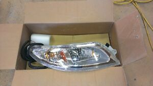 4300 DT466 Headlights new in box Kawartha Lakes Peterborough Area image 2