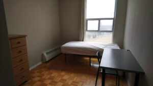 August - Female - Don Mills & Sheppard - Room for Rent