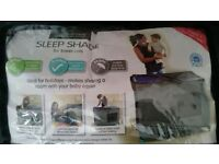 Sleep shade for travel cot