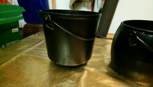 Vintage Cast Iron pots