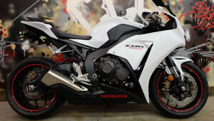 2014 Honda CBR 1000RR LOW KM'S. Everyones approved. $299 a month