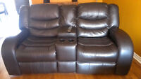 Sofa 2-places en cuir inclinable/2-Place Reclining Leather Couch