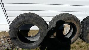 2 pneus de vtt maxxis 26/8/14 et 2 pneus 26/10/14 a vendre