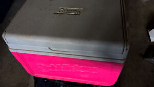Small 6 can cooler. Pink