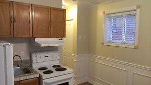 close to downtown one bedroom apartment Kingston Kingston Area image 2