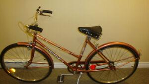 Vélo hybride antique