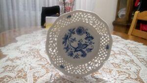 Thun Czech Republic Cobalt Porcelain plate