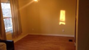 2 separate upper level rooms for rent in newmarket ASAP.
