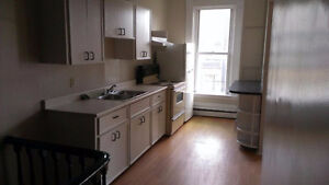 2 & 3 bedroom - Wright St - washer / dryer included!!