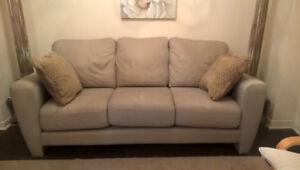Stylish Grey Real Leather Sofa for sale I DELIVER