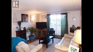 2 bedroom condo 1 block from Okanagan beach!