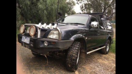 4X4 Mitsubishi triton with over $8000 extras