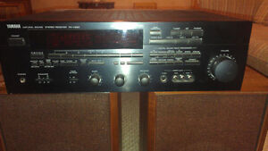 Yamaha RX-V690 Natural Sound Stereo Receiver West Island Greater Montréal image 2