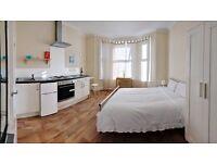 Little studio flat for £680 pm in charminster