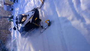 2009 Mxz 800R Electric start and reverse. Ready for snow