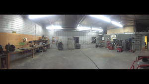 Shop for rent on acreage next to Stoney Trail and Mcknight Blvd
