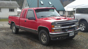 1995 Chevrolet C/K Pickup 2500 ext cab 4x4 loaded Pickup Truck