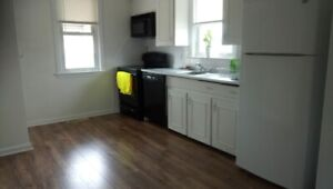 Room for rent Hamilton mountain, close to Mohawk college