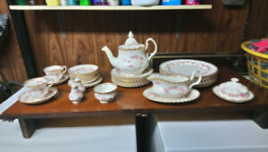 Royal albert bone china dimity rose pattern today only