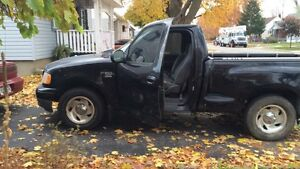 2000 Ford F-150 LOW KM