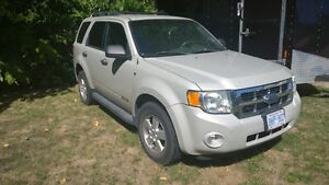 2008 Ford Escape SUV, Crossover FRONT END DAMAGE $2200 OBO