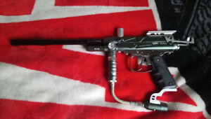 Spyder Rodeo Paintball Marker Set.
