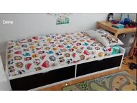 Single bed with two storage drawers in great condition