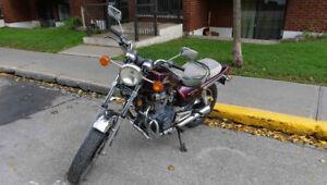 Moto Honda Nighthawk CB450 1985