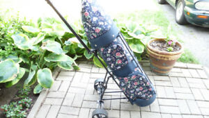 NEW GOLF BAG FLOWER DESIGN WITH CENTER COOLER COMPARTMENT.