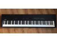 Yamaha CP33 Stage Piano / Keyboard - perfect for gigging musician or leaner, 88 weighted keys