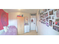 Bright and cosy room in a friendly 3-person furnished flat