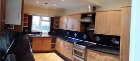 FOR RENT VERY WELL PRESENTED LARGE 3 DOUBLE BED HOUSE (PRIVATE LANDLORD - no fees)