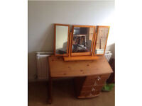 Ladies dressing table and mirrors with princess handles