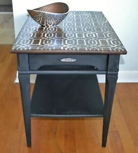 Mid-century oak end/side table/night stand