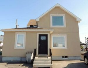 Renovated, Detached Office Building with Great visibility