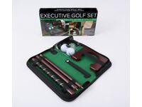 Executive golf set