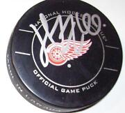 Detroit Red Wings Pucks