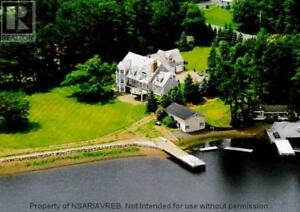 Gorgeous Waterfront Family Home for Rent!!