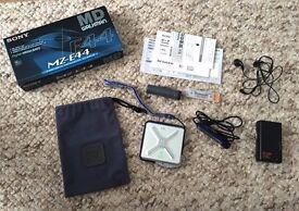 Sony MD Walkman MZ-E44 Boxed Accessiories Excellent Condition RARE Made In Japan Paypal accept