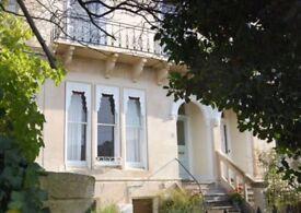 Luxurious 2 x bedroom, Upper Ground Flat in the quiet suburb of Montpellier Cheltenham