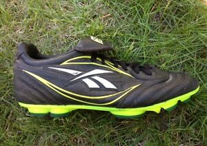 Soccer cleats - size 7.5