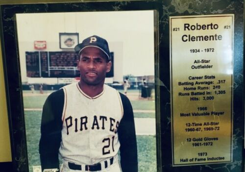Collectables MLB Roberto Clemente Pittsburgh Pirates Career Stat Plaque