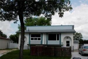 Beautiful House for Rent East Kildonan Available from 1st JAN